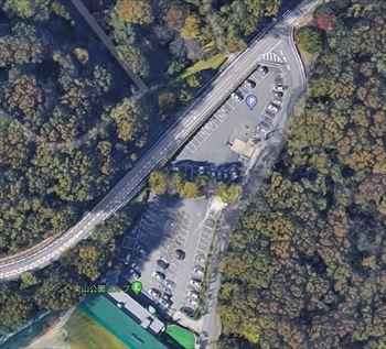 東山動物園の緑橋南駐車場 全体