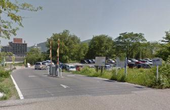 河川敷駐車場(緑岩緑地)