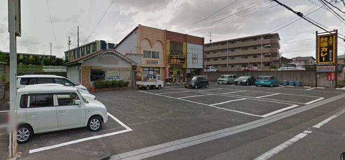 犬山市の元祖台湾カレーの駐車場