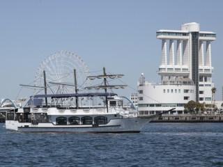 名古屋港ブルーボネットの水上バス