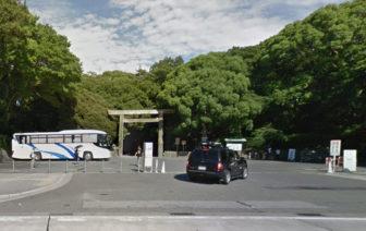 熱田神宮の西門駐車場の入口