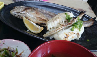 市場食堂の焼魚定食