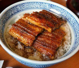 「あつた蓬莱軒本店」の鰻丼(3切れ)