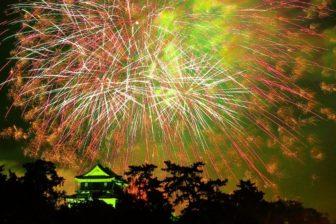 岡崎城と花火
