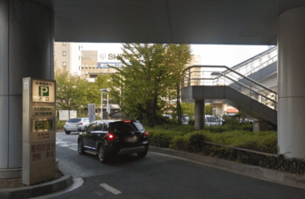 長野駅東口駐車場駅付近